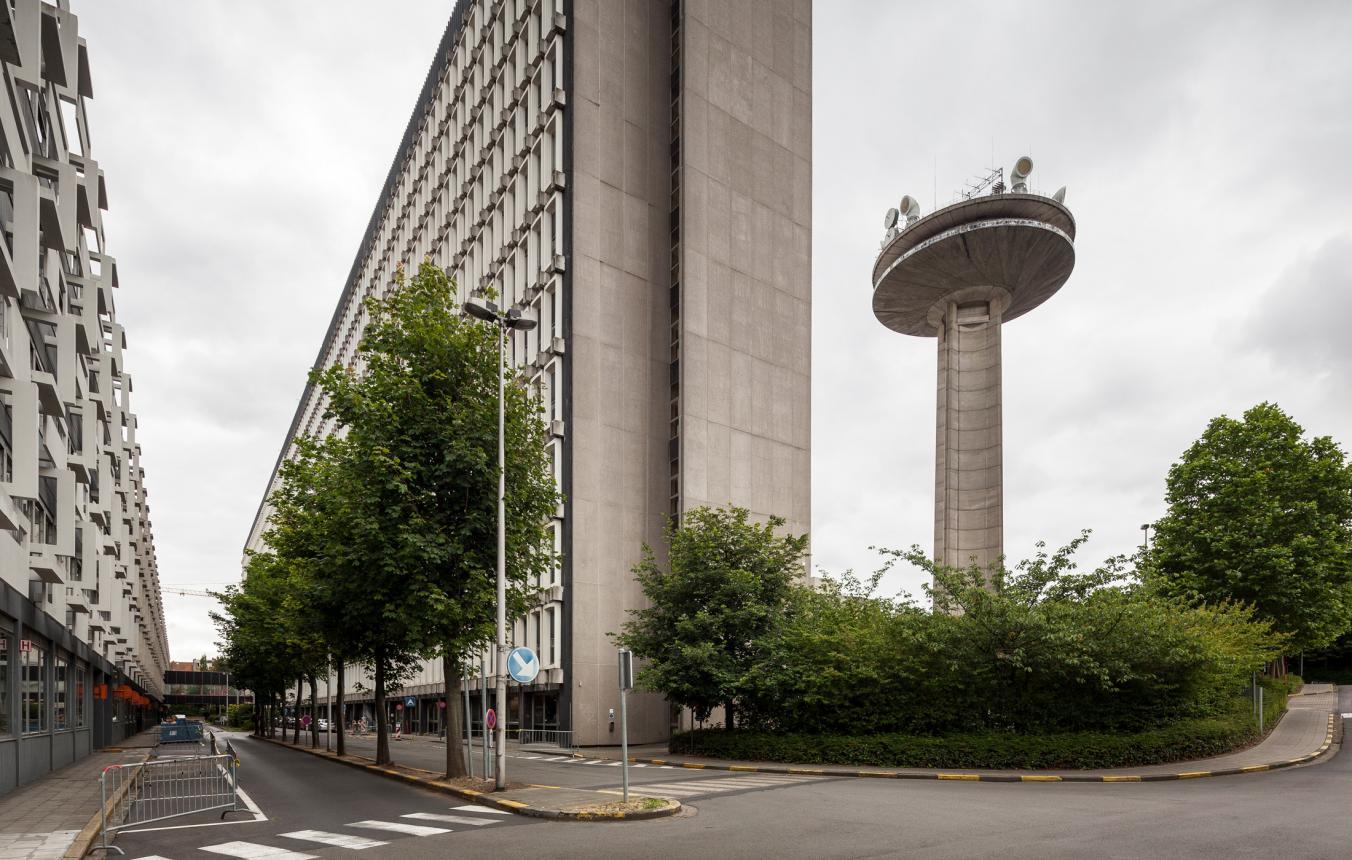 VRT-gebouw en -toren