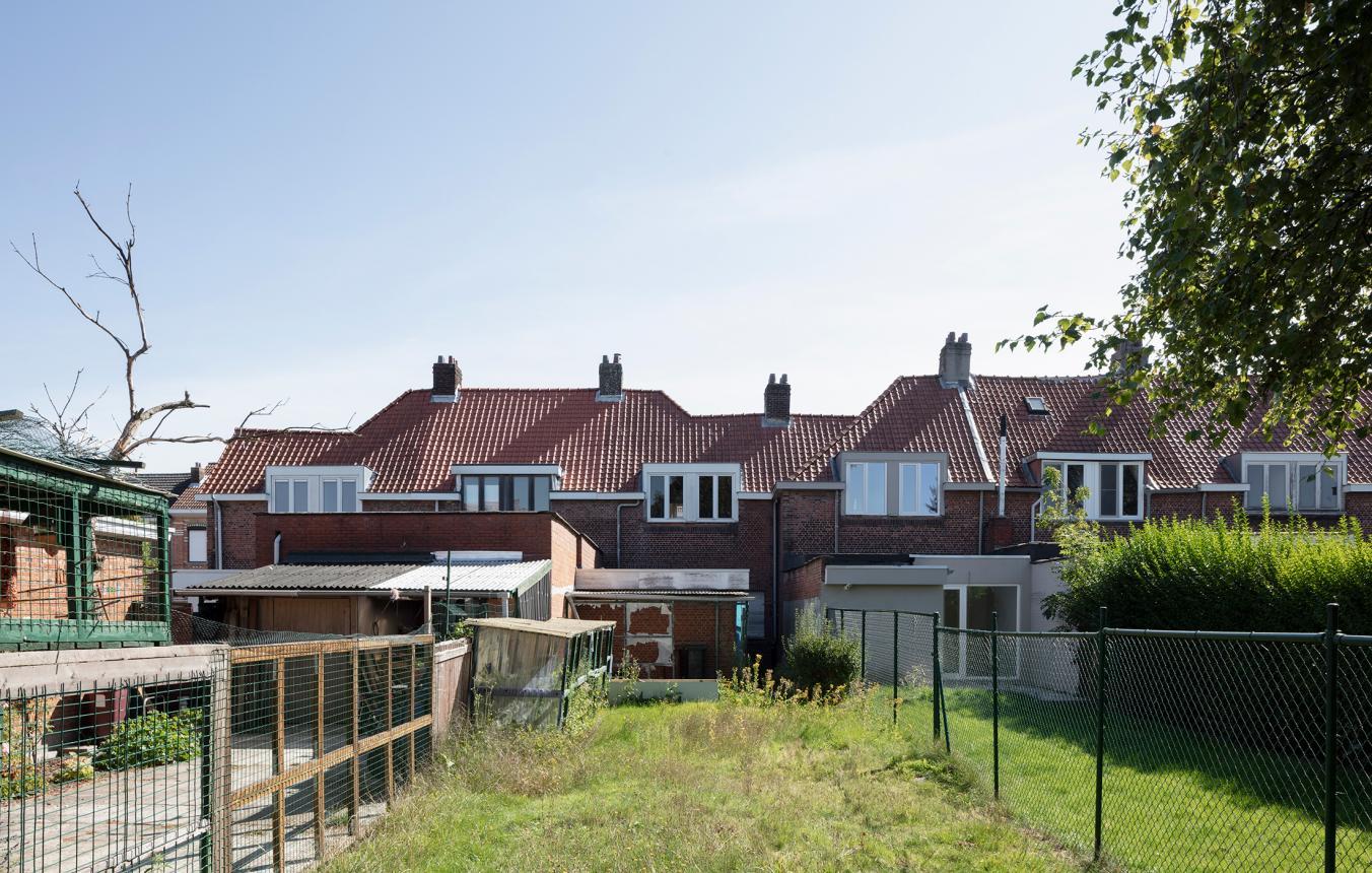 Renovatie en tijdelijke invulling van tuinwijkwoningen in Schoten