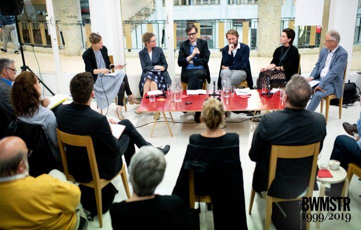 Debat '20 jaar bouwmeesterschap': bekijk of beluister nu de opname. Een gespreksavond over de rol en toekomst van het bouwmeesterschap